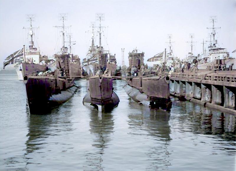 HMS Vox P73, HMS Voracious P78 & HMS Virtue P75