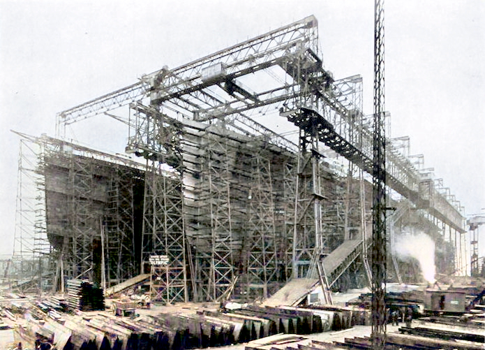 The Olympic and Titanic under constuction in 1910